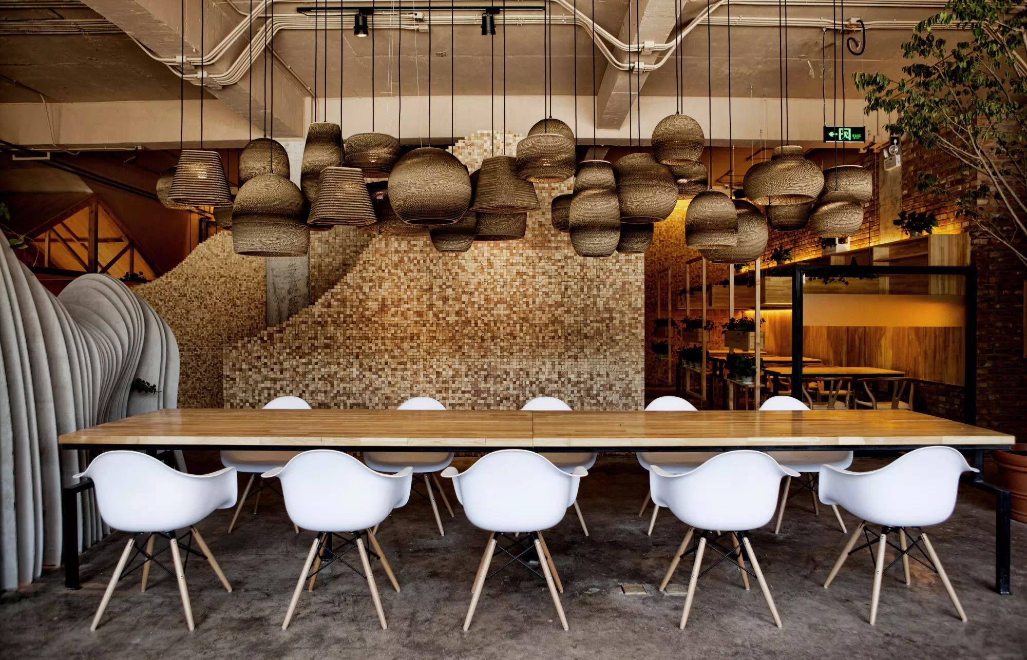 香山下的咖啡馆,诠释了诗与远方