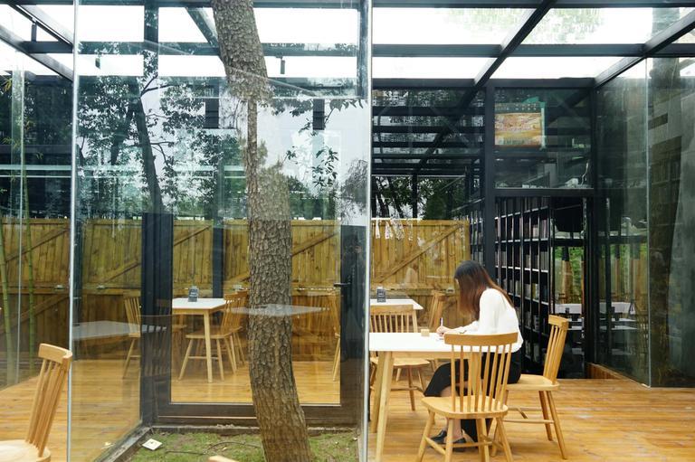 南之山书店 · 小森林