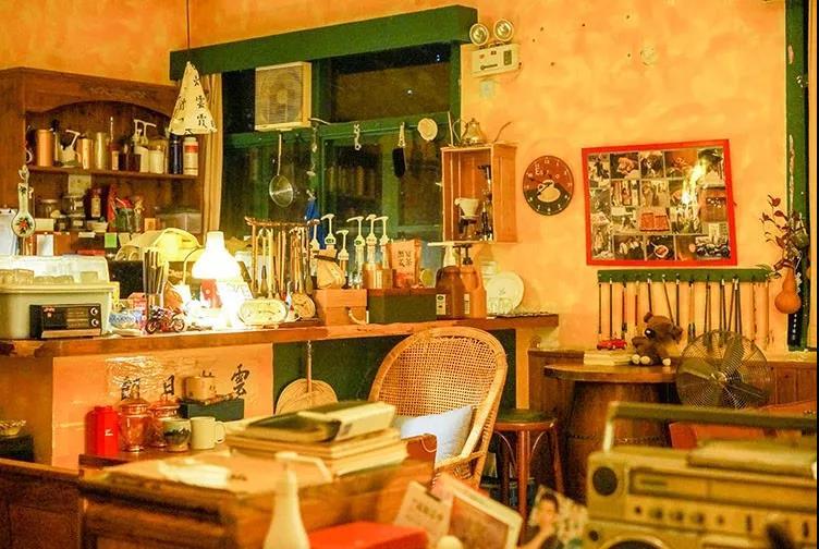 拥有王家卫电影气质的复古咖啡馆