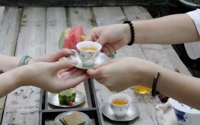 有茶的日子,总是温润的