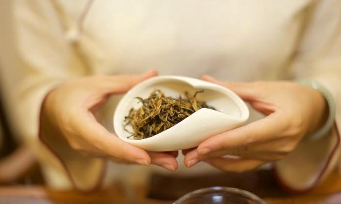 从茶味中体验雅致