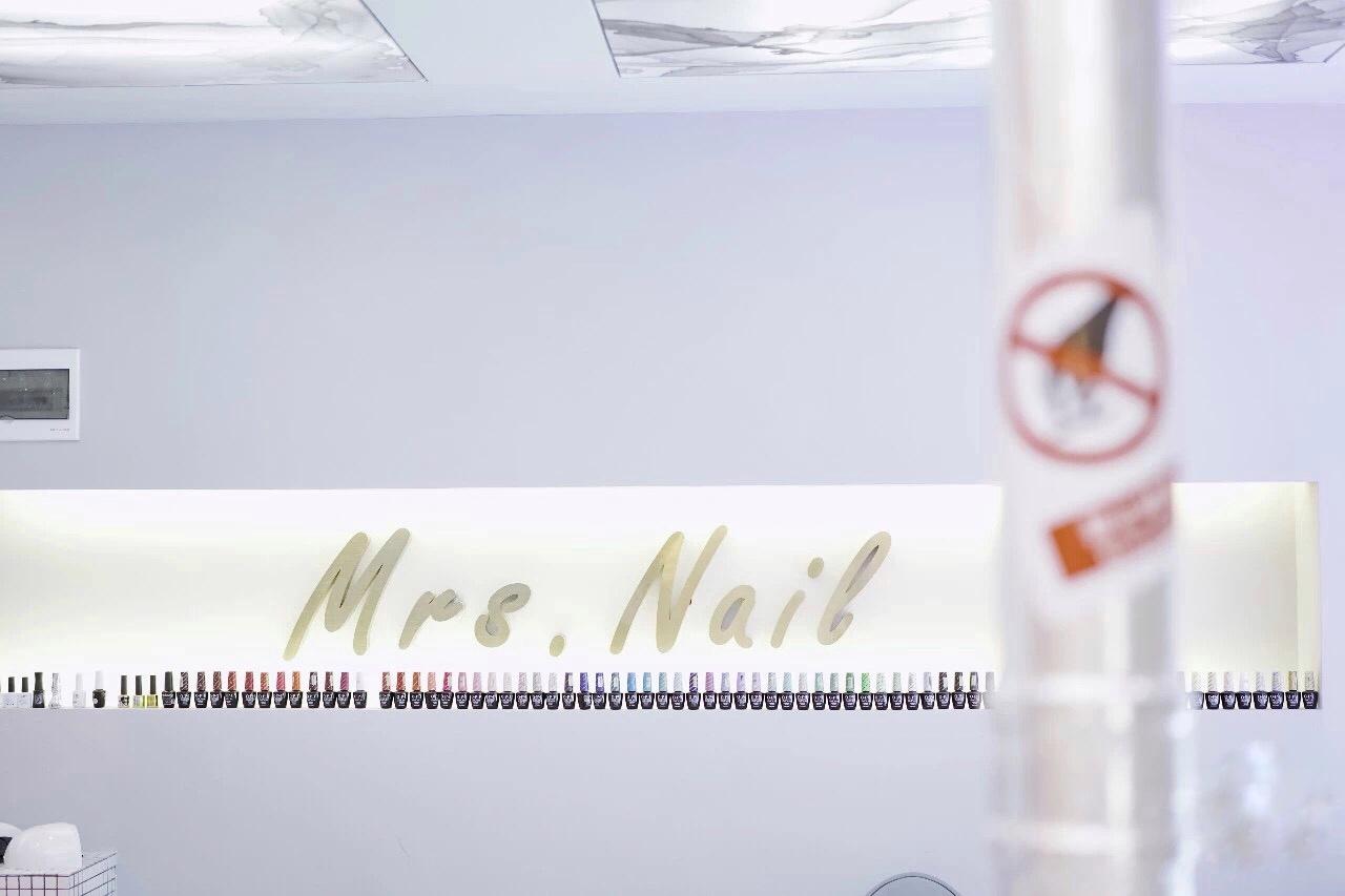 Mrs.nail